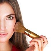 Foundation und Rouge bringen Ihr Make-up zum strahlen