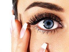 Close-Up Blaue Augen geschminkt