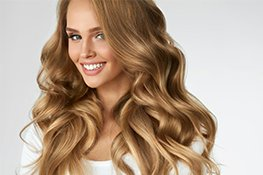 Frau mit gesunden Haaren