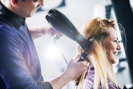 Haare föhnen Visual
